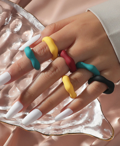 ringen set, gekleurde ringen, sieraden, dames, accessoires, hars, kunststof, plastic