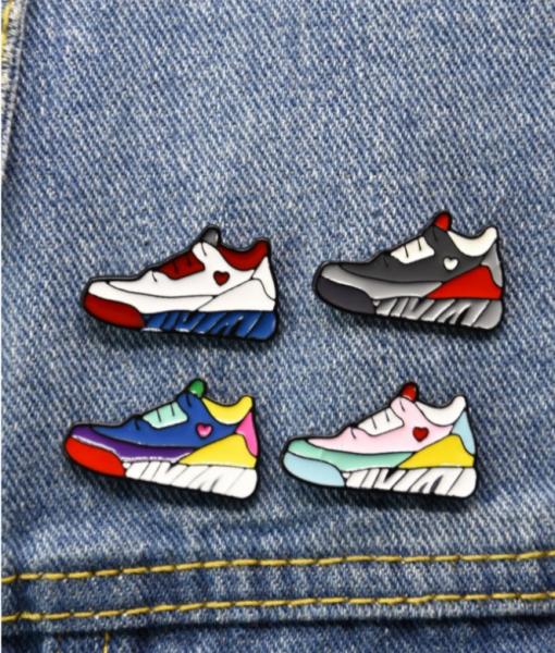 Pins Set Sneakers